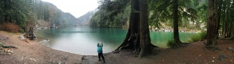 Panoramic view of Lindeman Lake
